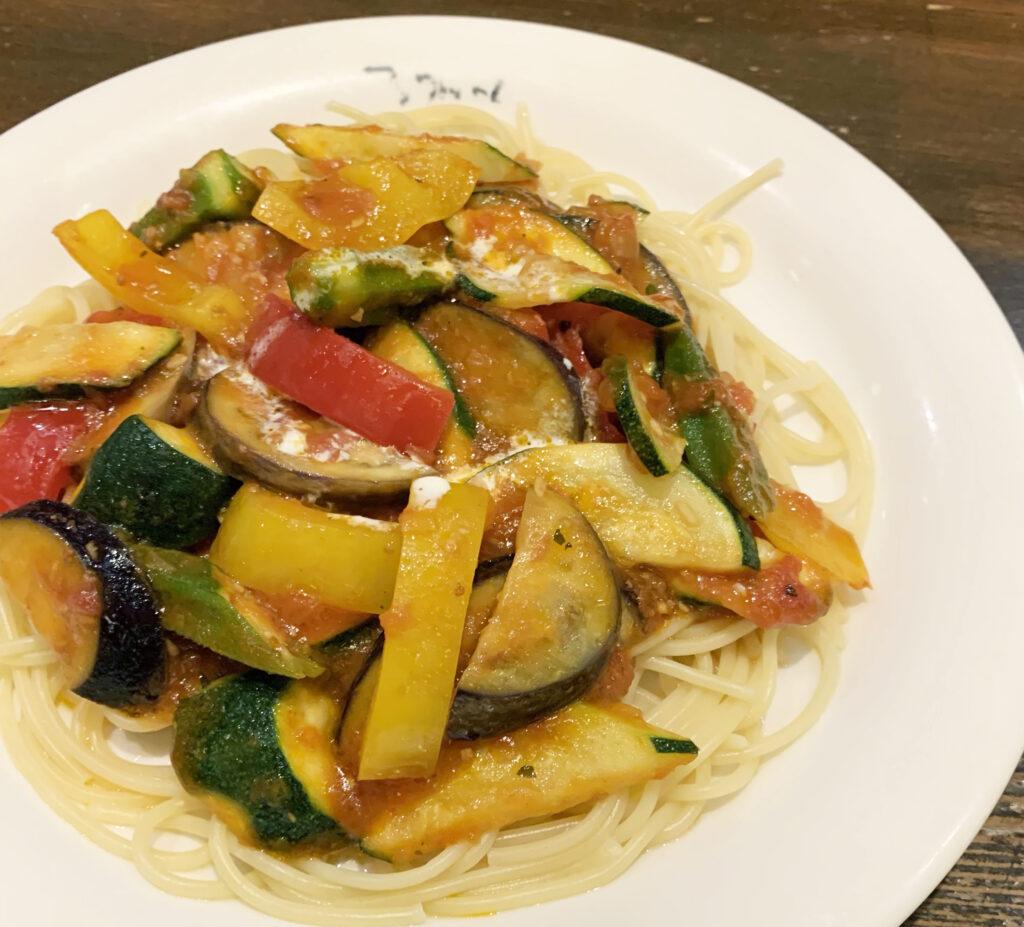 夏野菜のトマトソーススパゲッティ